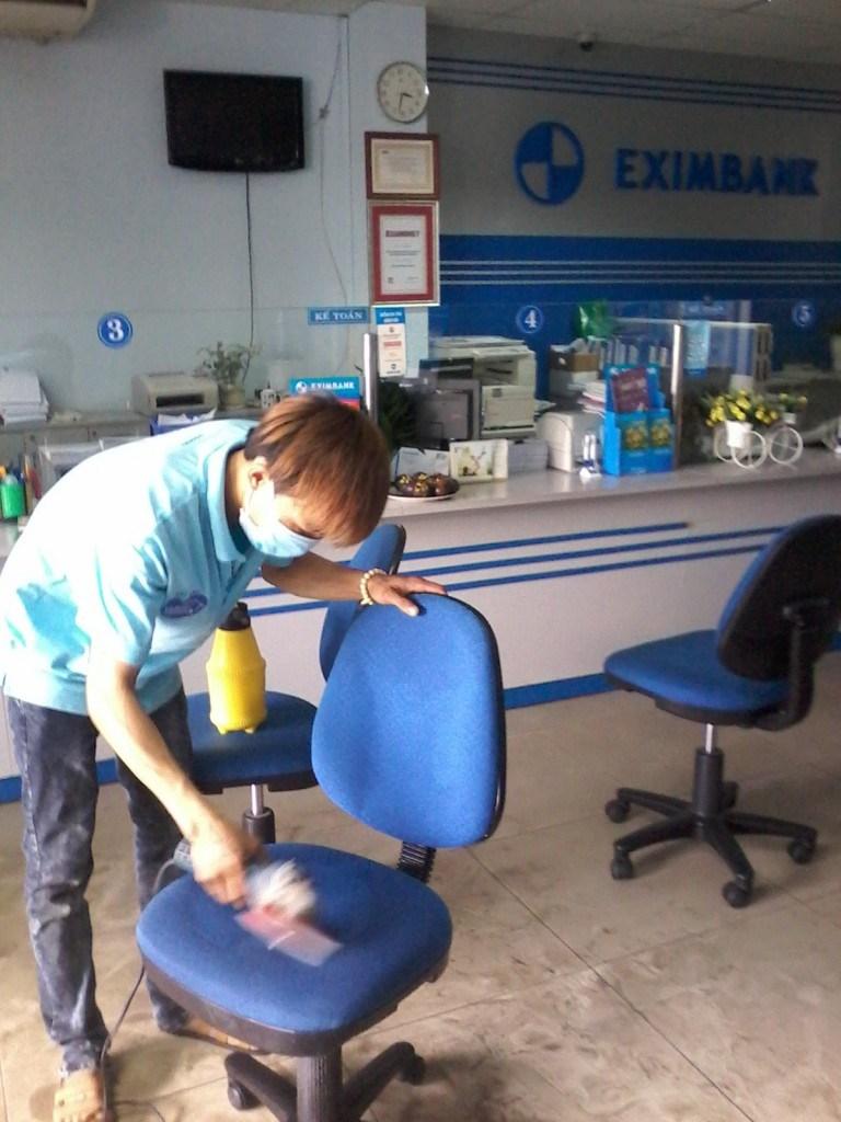 Các Bước giặt ghế Văn phòng Nha Trang