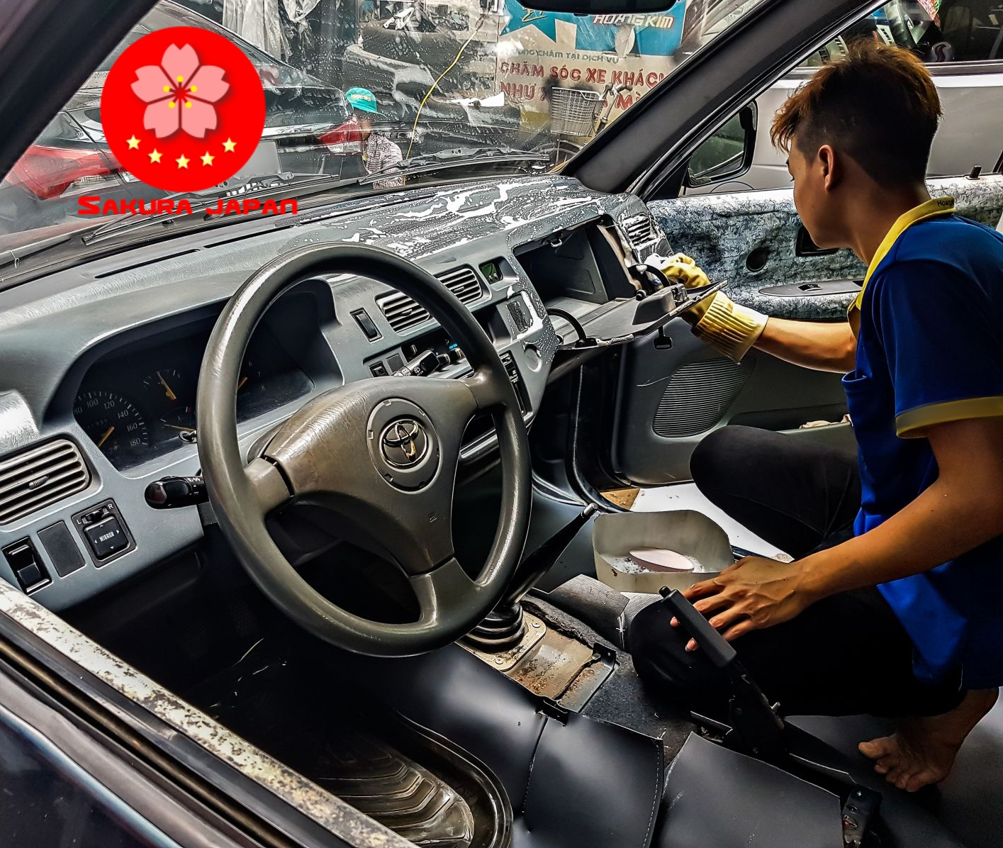 Dịch vụ Vệ Sinh Nội Thất Ô Tô Xe Hơi Nha Trang Tại Nhà